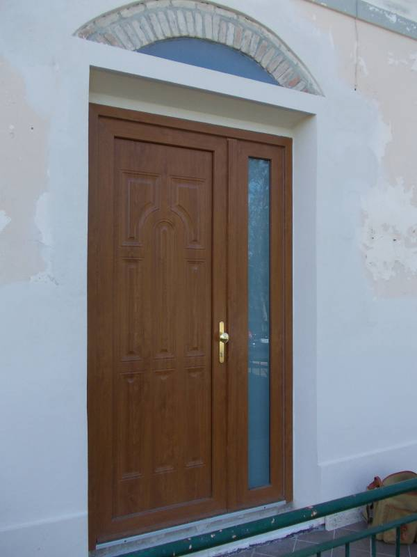 Porta blindata 2 ante con pannello esterno in pvc colore for Porte and a 3 ingressi